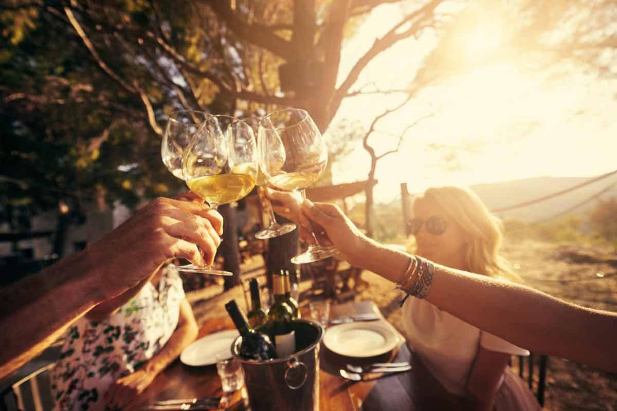 Good Friends, Good Wine